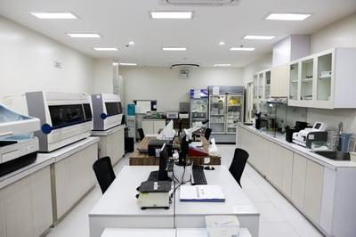 facility-3579025_1920