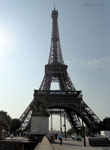 Eiffel_tower_2.jpg